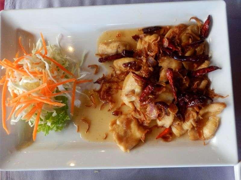 Deep Fried Chicken with Tamarind Soße